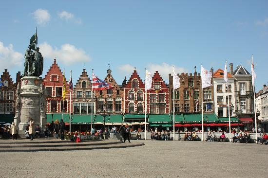 Hotel Van Eyck : Markt