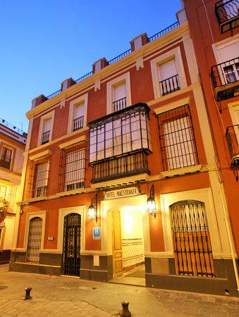 Hotel Maestranza: Fachada