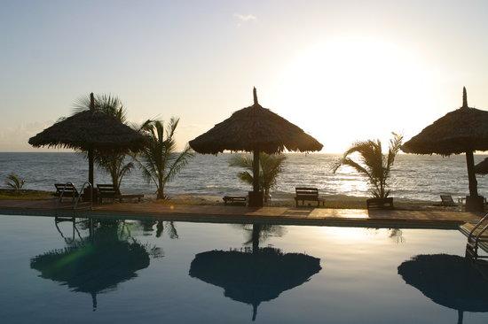Protea Hotel by Marriott Dar es Salaam Amani Beach: Sunrise at Amani Beach Hotel