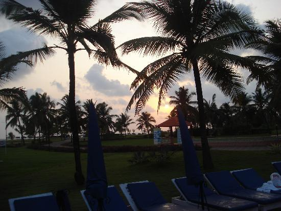 Sunset by the pool - Holiday Inn Goa