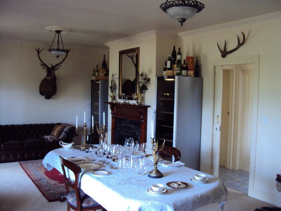 Birches Luxury Spa Chalets: Dining Room in the country style villa