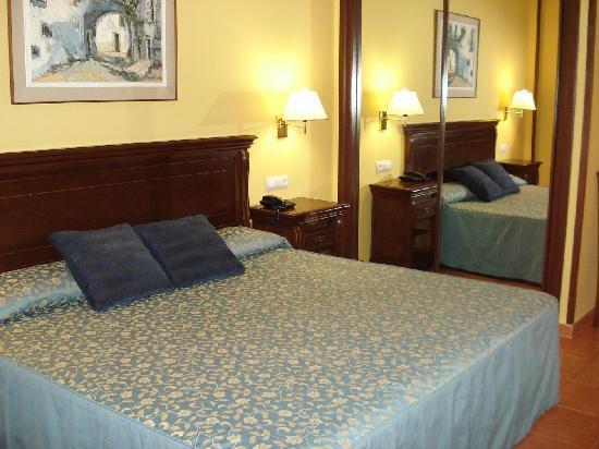 Hotel Porfirio: Otras vistas de la habitación 2