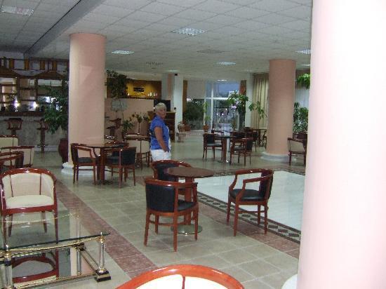 Hotel Corali: Lounge Area