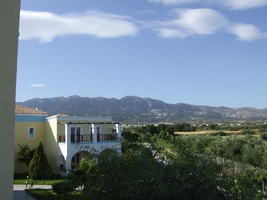 Hotel Corali: The mountains behind
