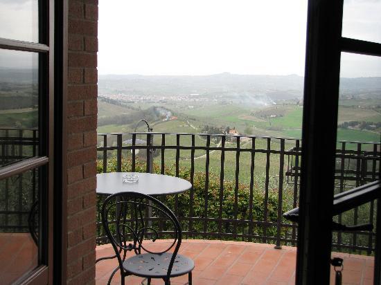 Casa Lari Relais: La vue, depuis le balcon arrière, face au lever de soleil.