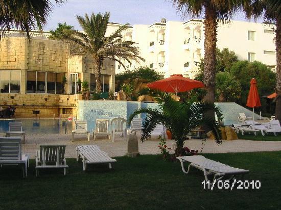 Hotel Golden Beach Monastir : grosses  Becken