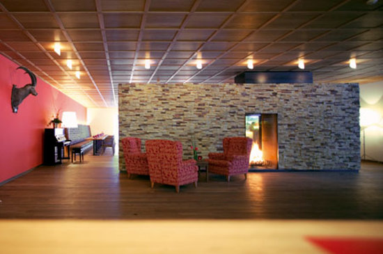 Gemütliche Lobby im Sporthotel Steffisalp