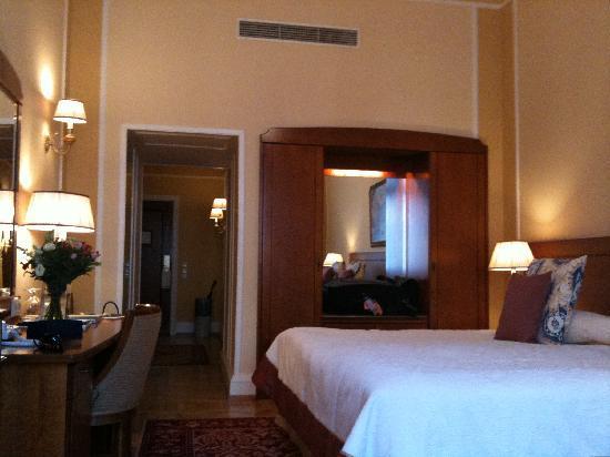 Belmond Grand Hotel Europe: suite on historic floor
