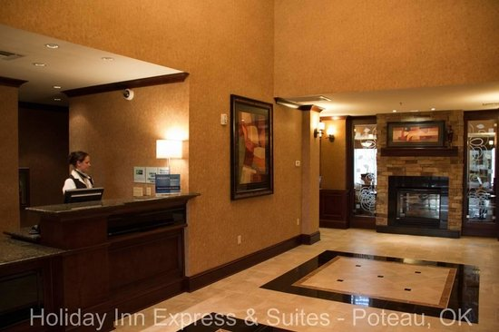 Holiday Inn Express Hotel & Suites Poteau: Lobby