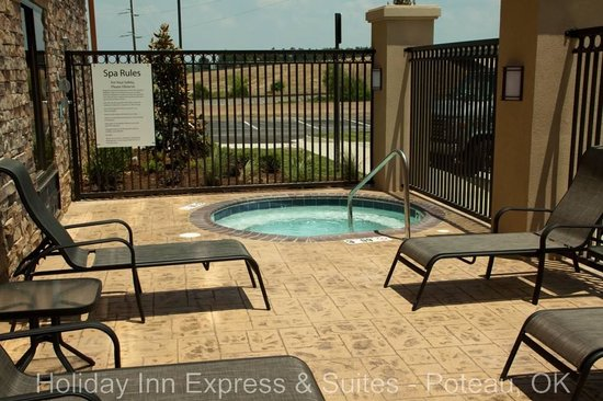 Holiday Inn Express Hotel & Suites Poteau: Outdoor Spa