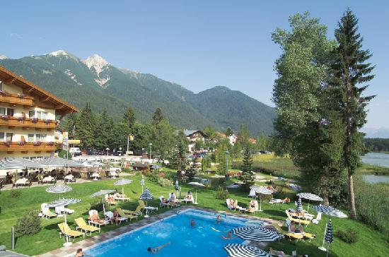 seefeld town centre picture of seefeld in tirol tirol tripadvisor. Black Bedroom Furniture Sets. Home Design Ideas