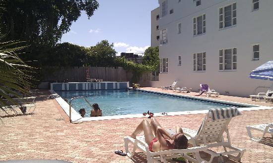 Tropics Hotel Hostel Piscine