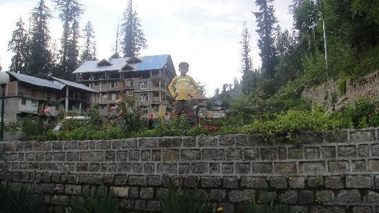 Solang Ski Resort: My kid enjoying