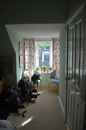 Old Bank House B&B: Room 2 - keep the window shut!