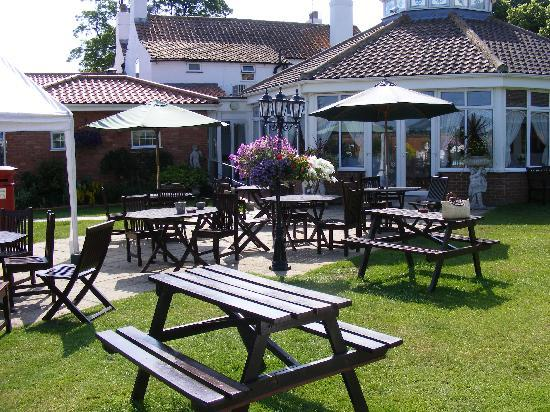 The Old Rectory Hotel : Gardens and function room