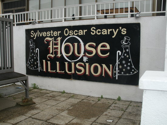House of Illusion: Outside