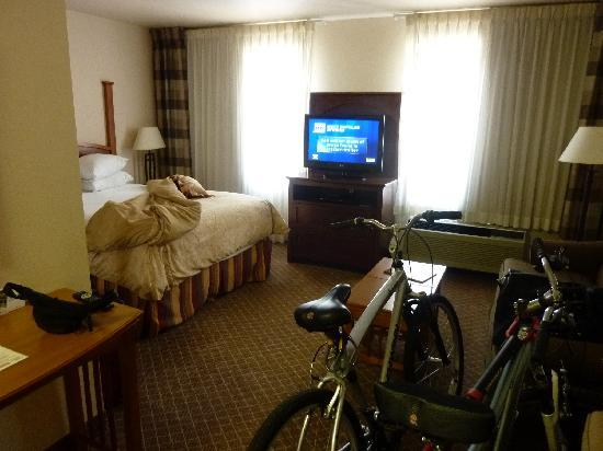 Staybridge Suites Austin-Round Rock: spacious room!!!