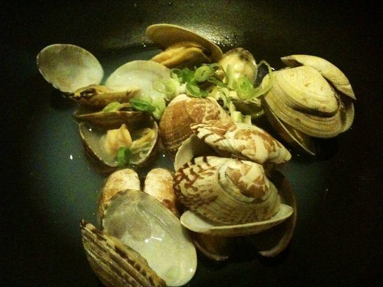 Toki: Sake Steamed Clams( あさりの酒蒸し)