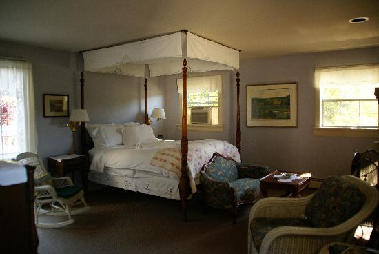 Inn at Occidental: Tiffany Room