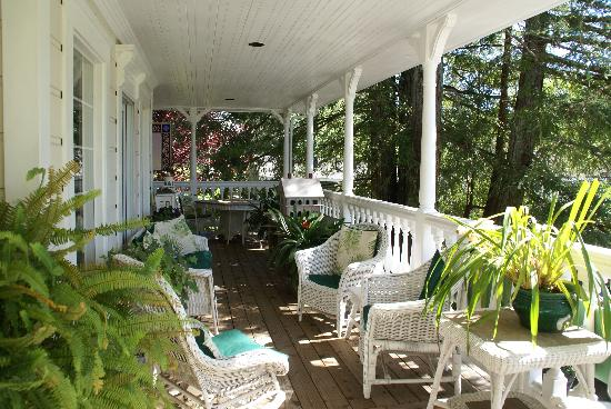 Inn at Occidental: Front Porch
