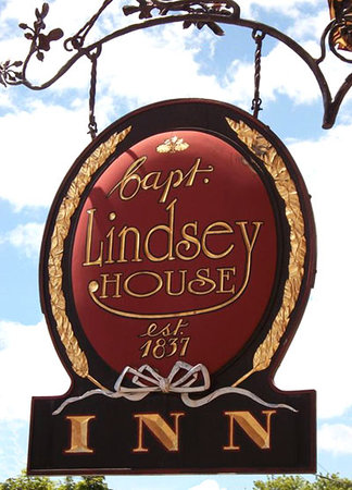 Welcome to The Captain Lindsey House Inn