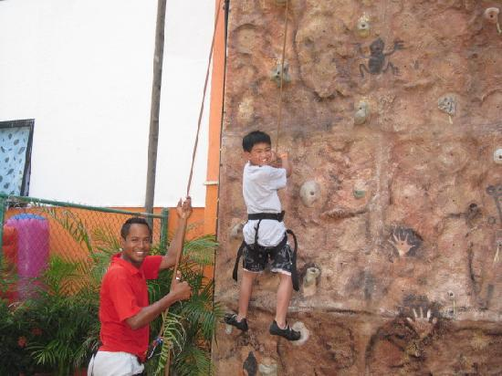 Melia Puerto Vallarta All Inclusive: Rock climbing with Marco