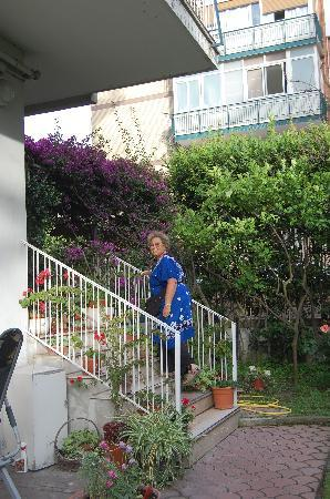 B&B La Bouganville : the steps up to the wonderful patio