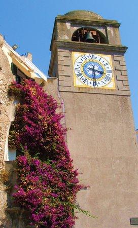 Hotel Weber Ambassador Capri : main piazza clock in capri