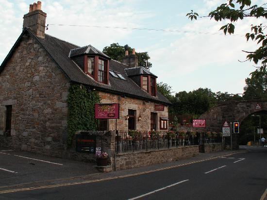 Fern Cottage Restaurant: Restaurant from outside