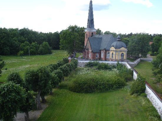 Engsö Castle: View of the church from the castle