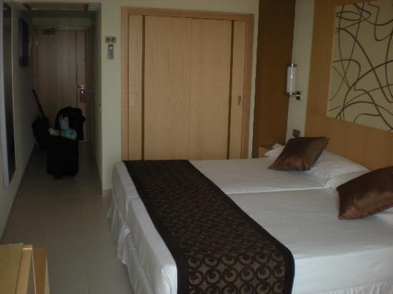 Hotel Riu La Mola : camera