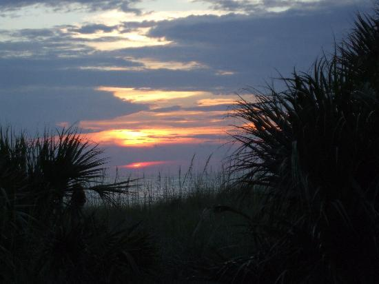 Sunrise Motel: Sun set at Sunset Beach