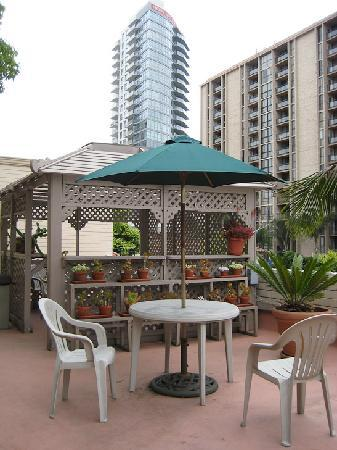 Best Western Cabrillo Garden Inn: Rooftop gazebo if you have spare time