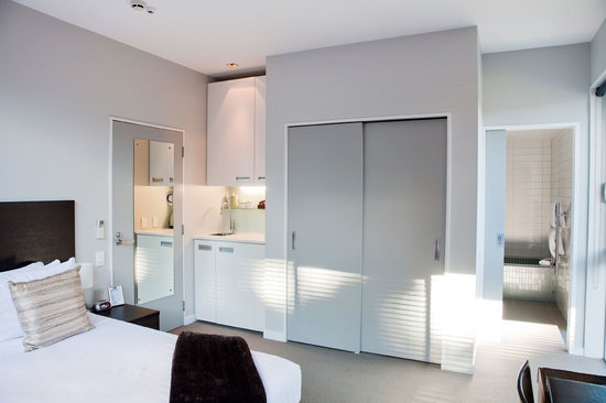 Pounamu Apartments: Sudio Room with Kitchenette