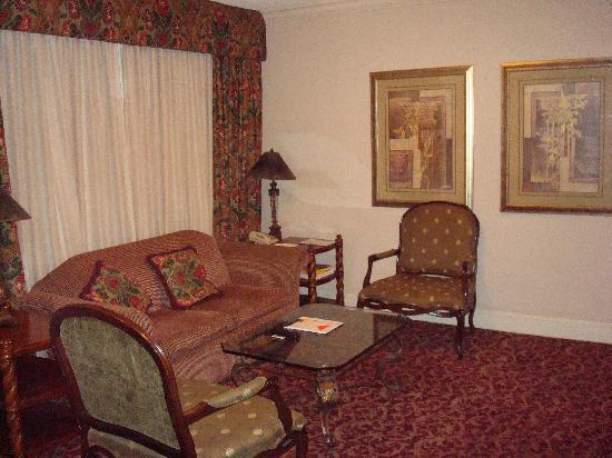 Prince Conti Hotel: Living Room