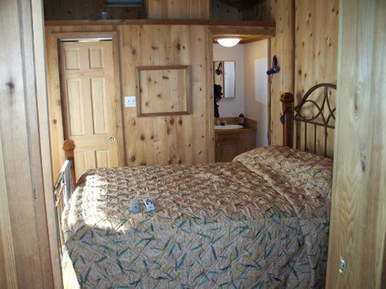 Lake Okeechobee Outpost: Bedroom