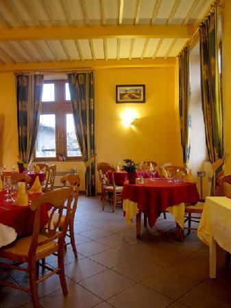 La Bastide du Soleil: Dinning room/Salle à manger
