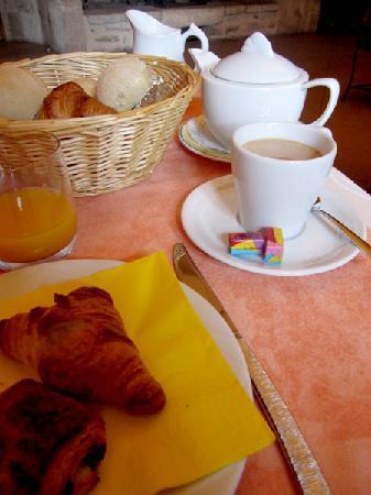 La Bastide du Soleil: Breakfast/Déjeuner