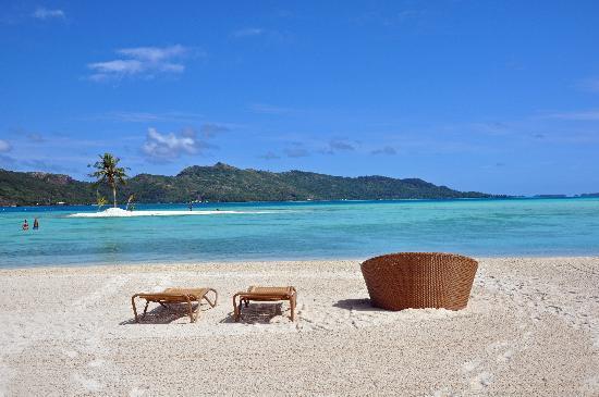 Four Seasons Resort Bora Bora: Beach to ourselves