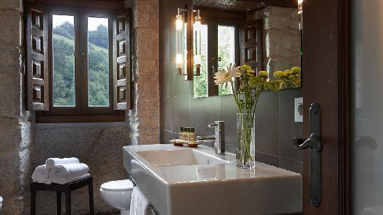 Iriarte Jauregia Hotel: Baño