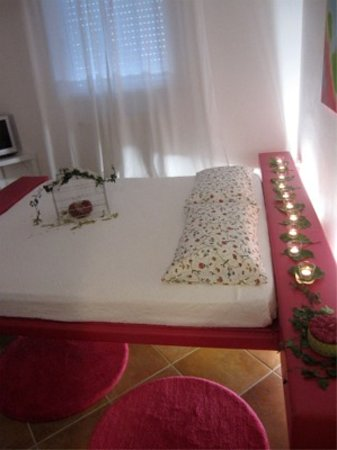 Borgonuvola - B&B wellness and relax: Camera matrimoniale