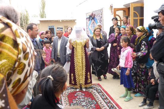Uzbekistan: eine HOchzeit auf dem DOrf
