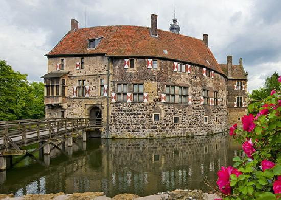 North Rhine-Westphalia, Germany: Burg Vischering