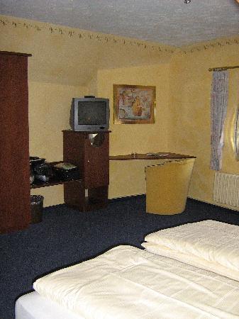 Hotel Eifelbräu: Our room, Hotel Eifelbrau