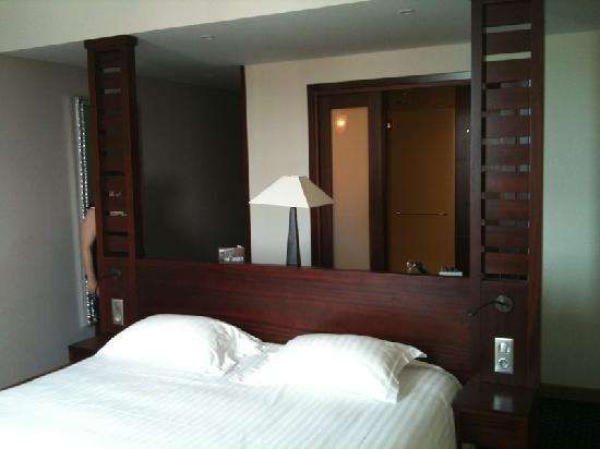 un grand lit photo de h tel le mauritia pornic tripadvisor. Black Bedroom Furniture Sets. Home Design Ideas