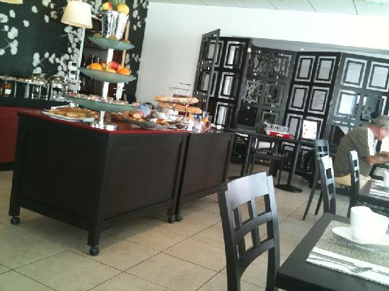 Hôtel LE MAURITIA : Buffet petit déjeuner