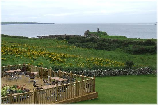Castle Murray House Hotel & Restaurant: View from Decking Area