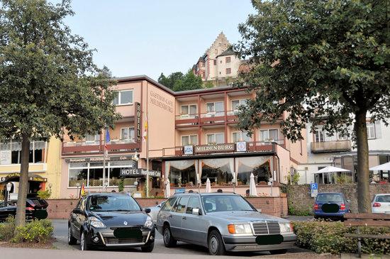 Miltenberg, Tyskland: Blick aufs Hotel von der Mainpromenade
