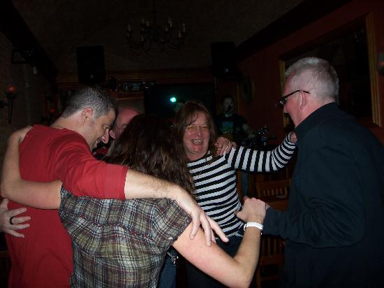 O'shea's Irish Pub: We all get involved
