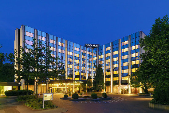 Sheraton essen hotel germany reviews photos price for Designhotel essen